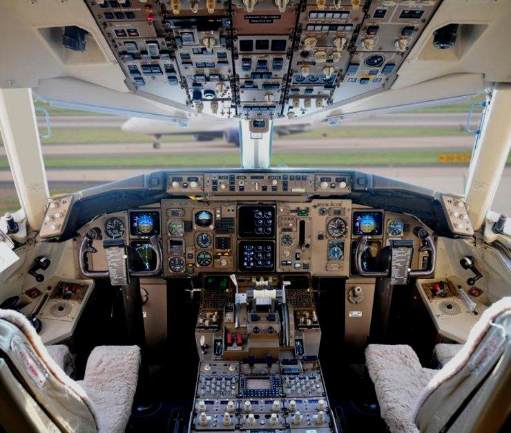 The Lady Captain for Delta Airlines John Clarke Online
